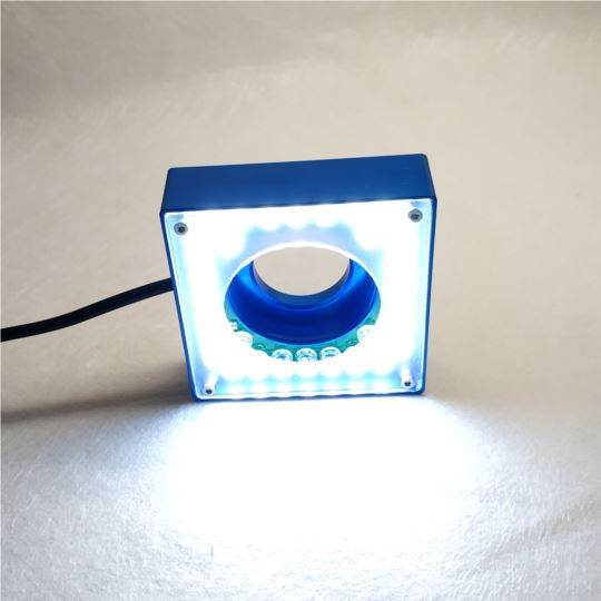 智高 CCV200 可拆卸及灵活安装的补光照明系统